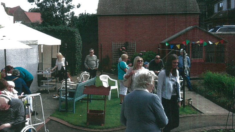 Garden Party at Cumnor Hall